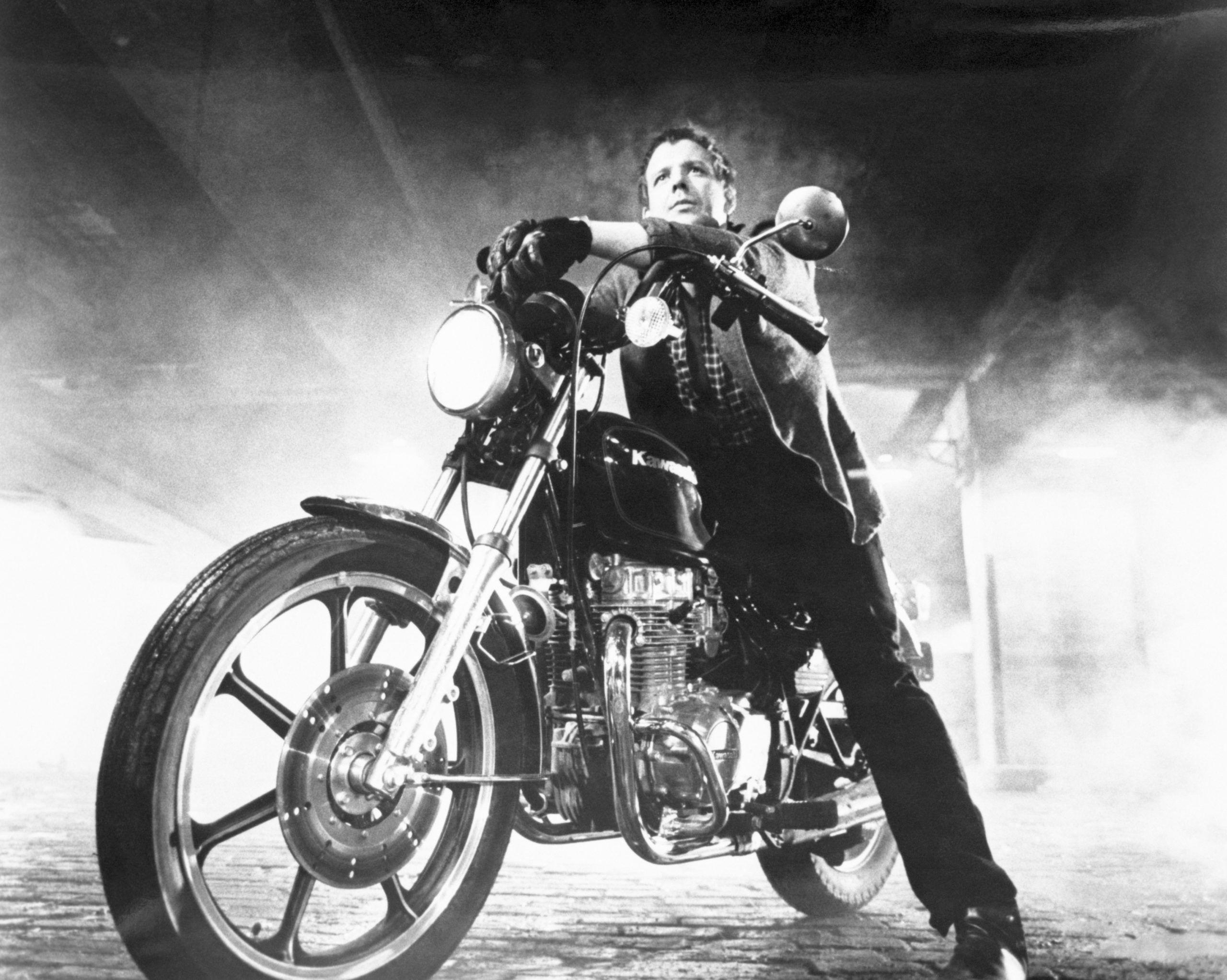 Mickey Rourke a Rablóhal című filmben a Motoros srácként (Photo by Sunset Boulevard/Corbis via Getty Images)