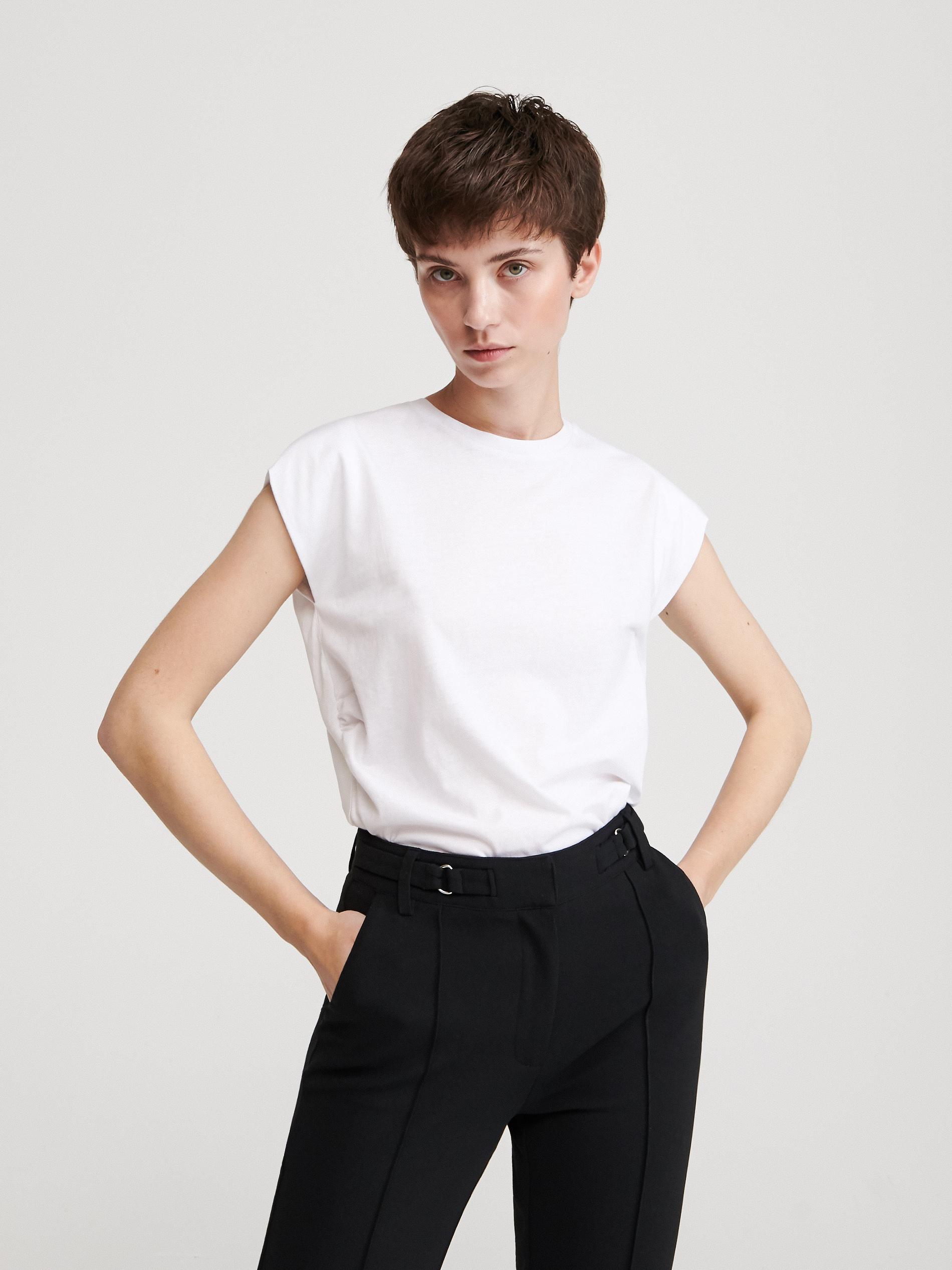 Basic, fehér póló