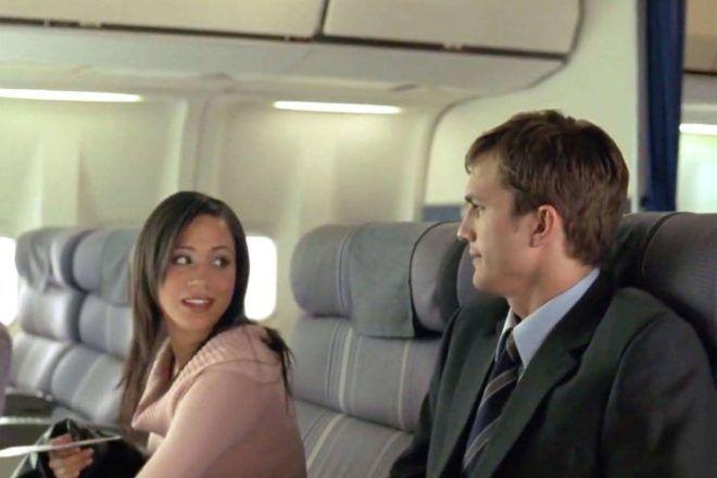 Ashton Kutcher mellett a repülőn