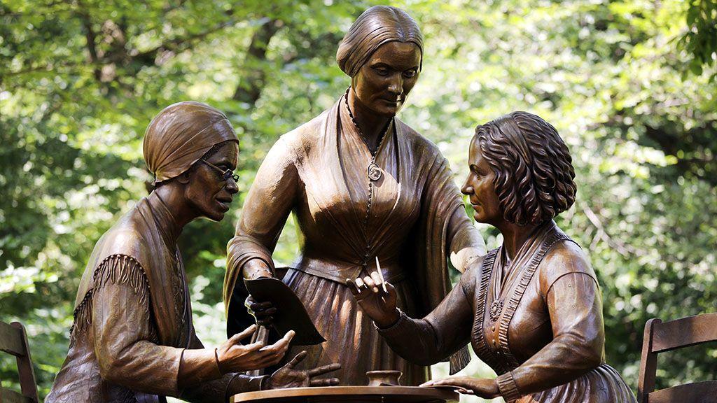 Most először kaptak valódi nők szobrot a Central Parkban