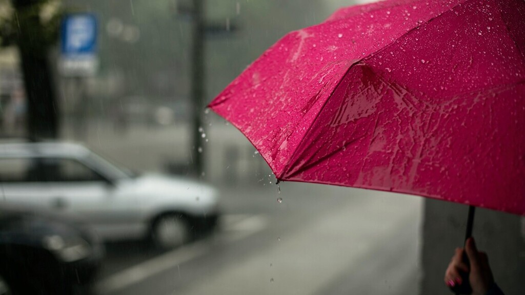 Kiadták a riasztást, a kánikula mellé ma eső jön
