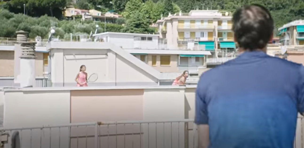 Világklasszis lepte meg a karantén alatt háztetőn teniszező lányokat