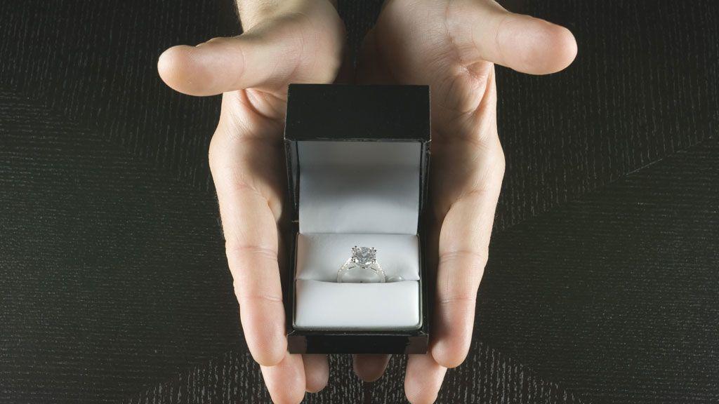 gyűrű, lánykérés