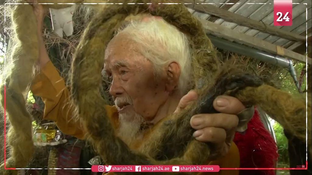 80 éve nem mosott és vágott hajat a 93 éves férfi