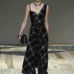 Alexander McQueen kockás aszimmetrikus ruha