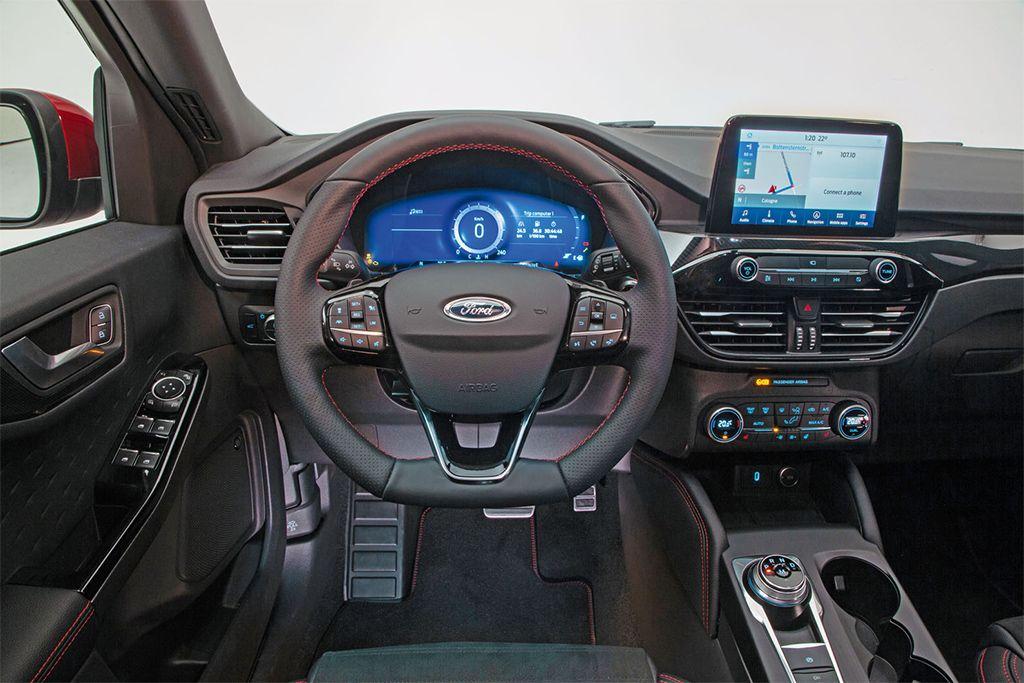 Ford Kuga: a hibrid, ami hazaküldi az elektromos autókat