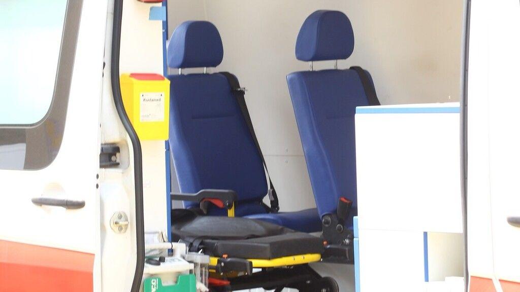 Luxus minilakássá alakított egy mentőautót a brit férfi