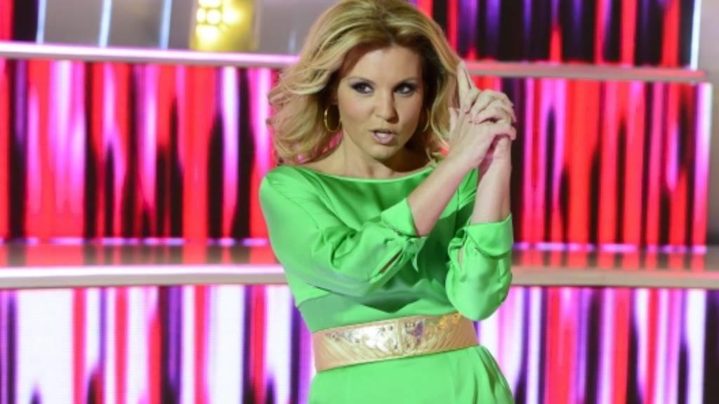 Liptai Claudia zöld ruhában
