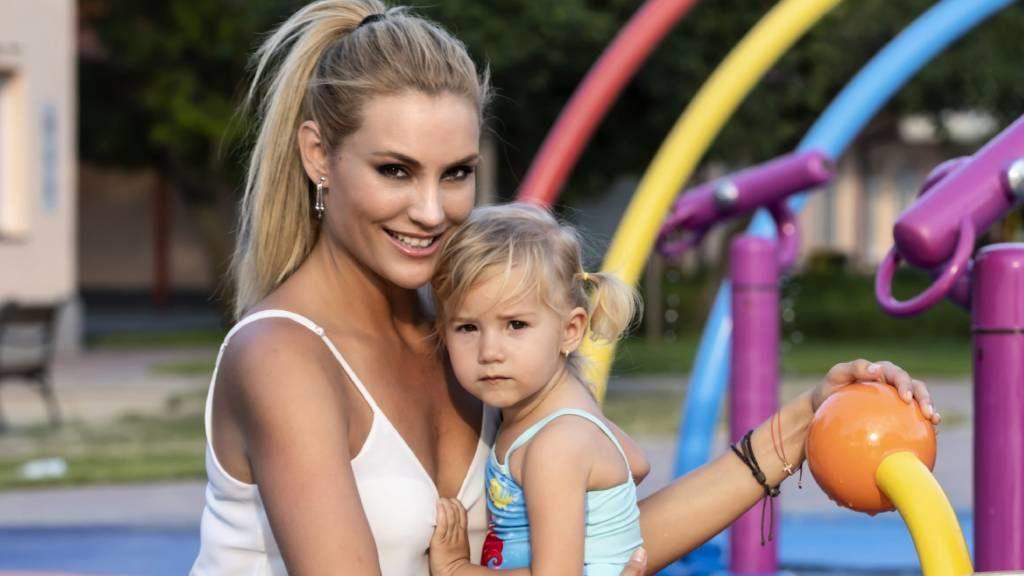 Som-Balogh Edina és kislánya
