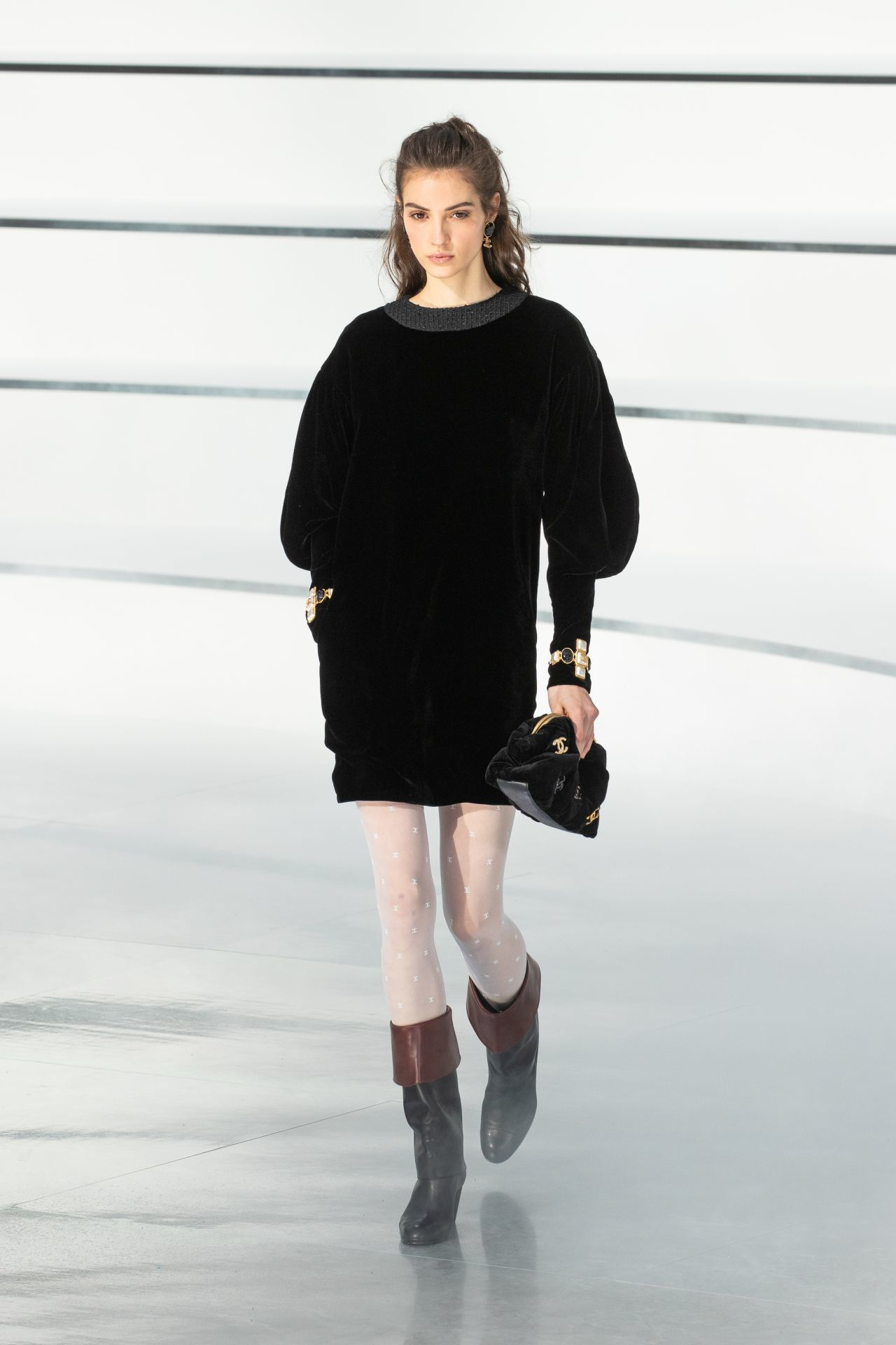 puffos ujjú fekete Chanel ruha