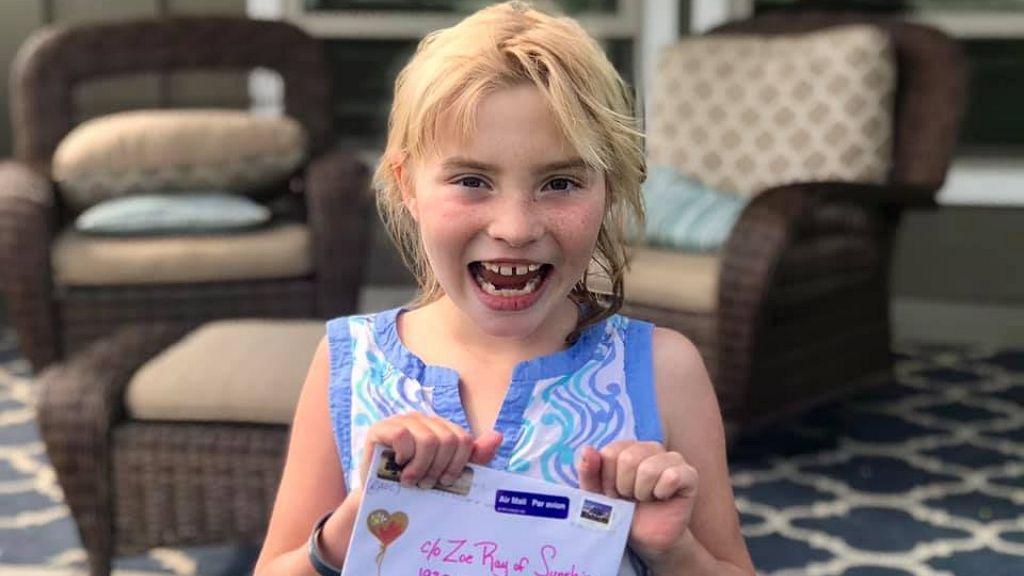 Mindenhonnan levelet kap a rákos kislány
