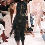 rojtos fekete ruha Fendi