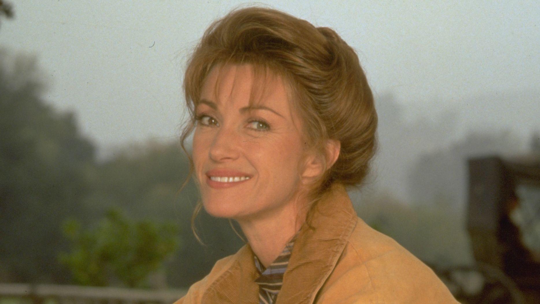 Jane Seymour Quinn doktornő szerepében
