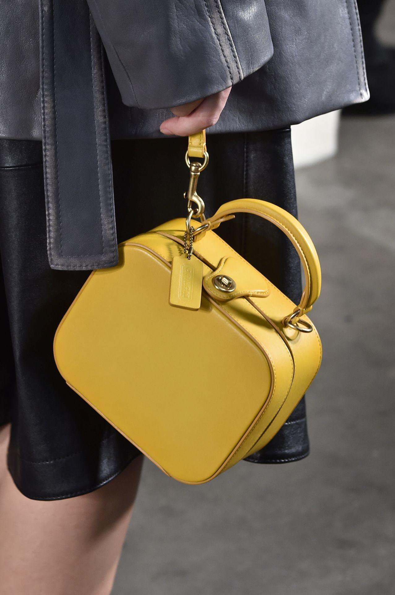 Sárga szögletes táska - Coach 1941