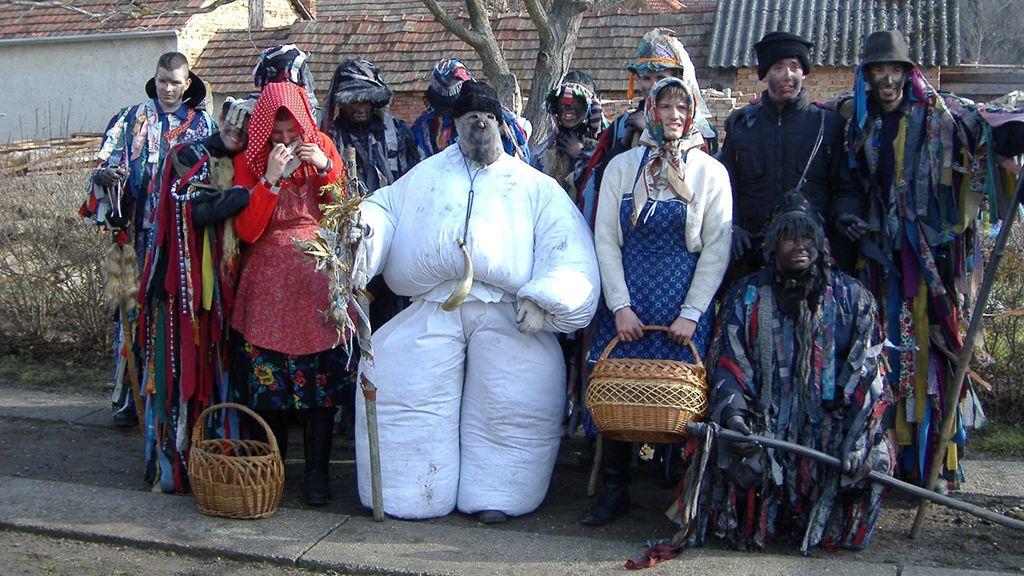 Tikverő alakoskodók (Fotó: Moha község önkormányzata)