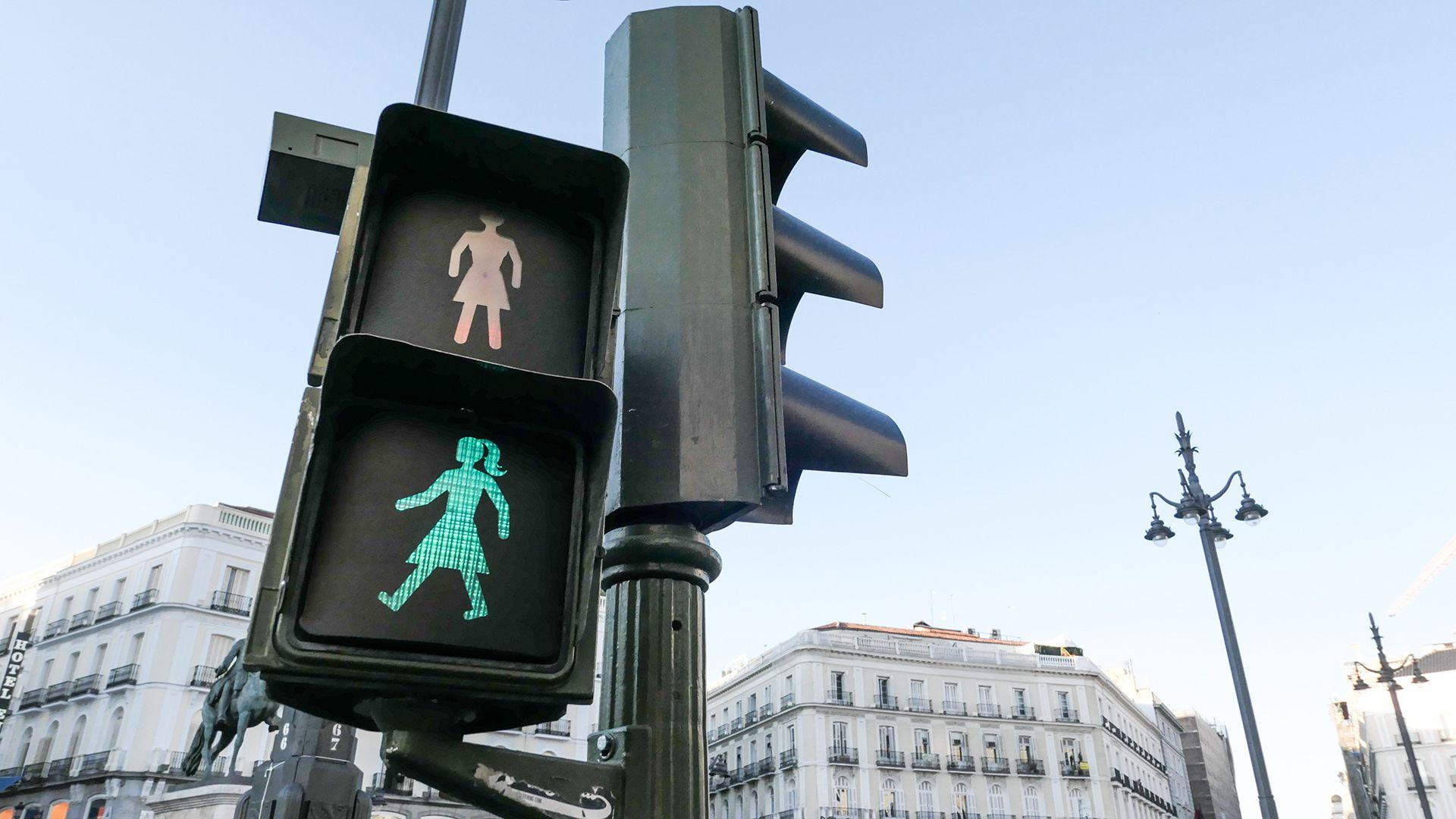 A világ első nagyvárosa, ahol női alakok vannak a jelzőlámpákon