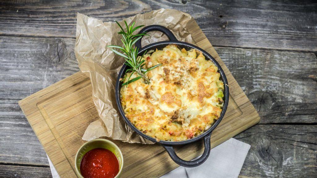 Még a nyolcmillió kalóriás sajtszószban tocsogó makaróni is egészségesebb zöldbabbal (Fotó: Getty Images)