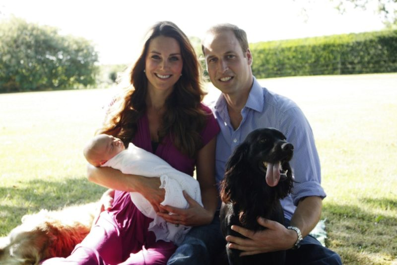 Az első hivatalos fotó a hercegi családról, 2013 augusztusából
