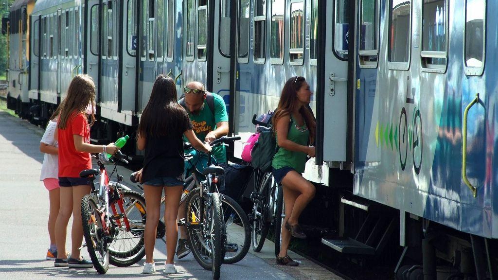 Hétvégén ingyenes szállítható a bicikli