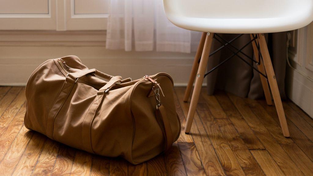 Feldarabolt nő testrészeivel a bőröndjében utazott egy férfi.