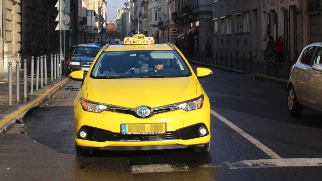 Erzsébetváros bünteti a hangos taxisokat
