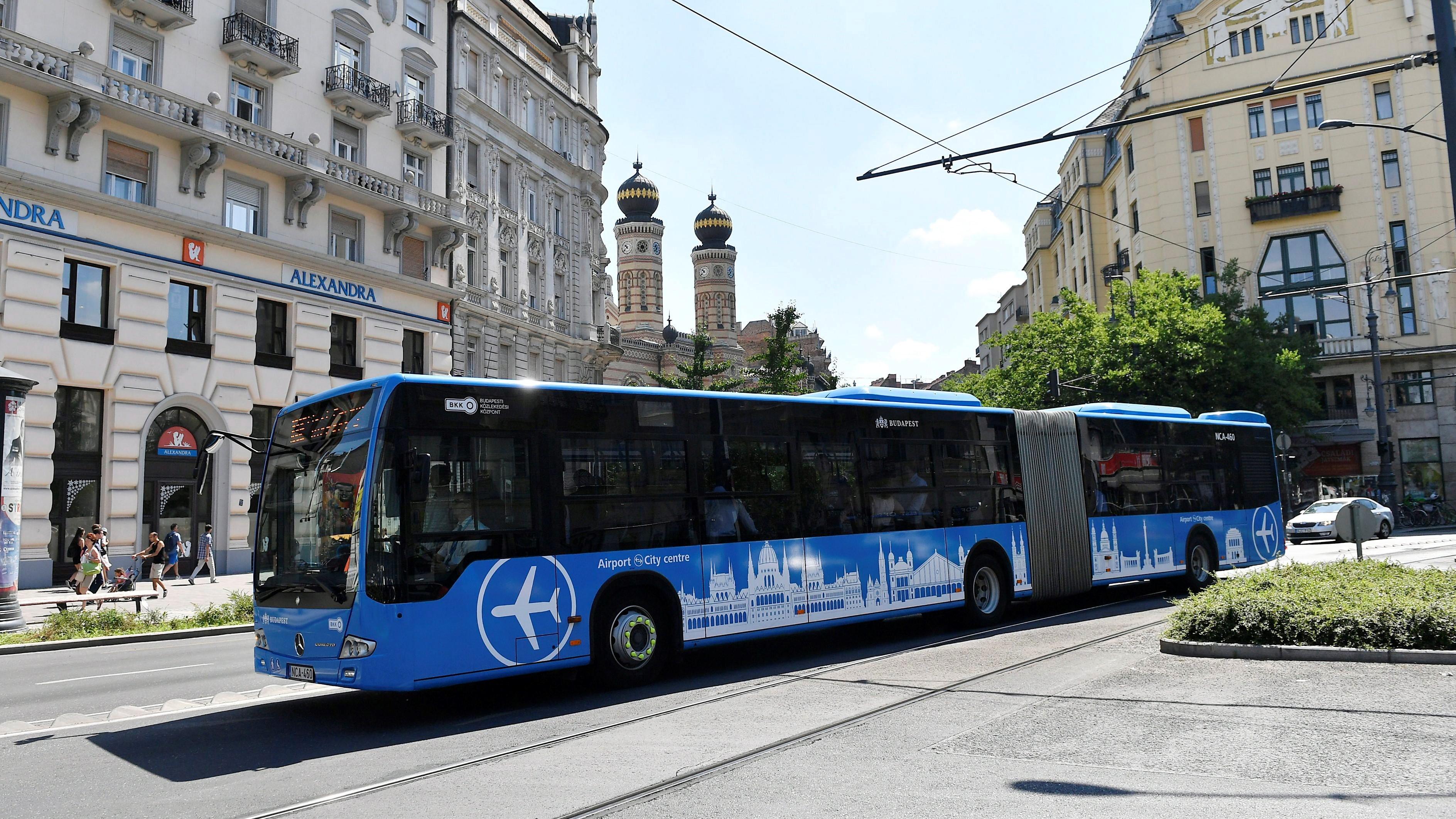 A közvetlen repülőtéri buszjárat Budapest belvárosábanMTI Fotó: Illyés Tibor