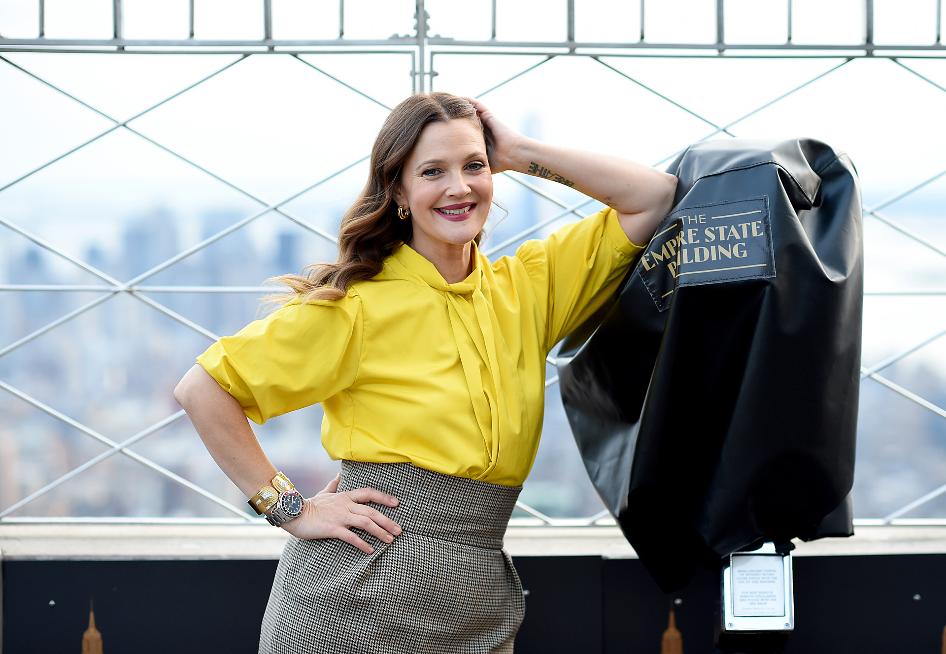 """NEW YORK, NEW YORK - SEPTEMBER 14: Drew Barrymore celebrates the Launch of The Drew Barrymore Show at The Empire State Building on September 14, 2020 in New York City. Dimitrios Kambouris/""""Getty Images for Empire State Realty Trust/AFP"""