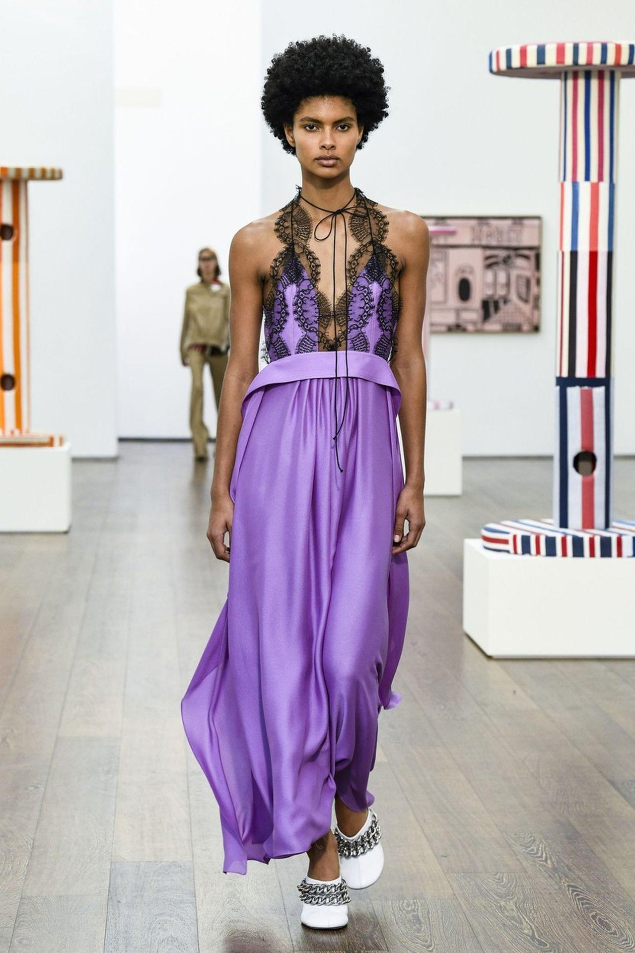 Victoria Beckham lila ruha