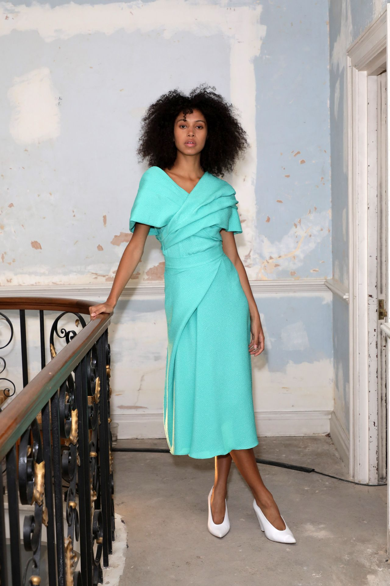 Edeline Lee kék ruha