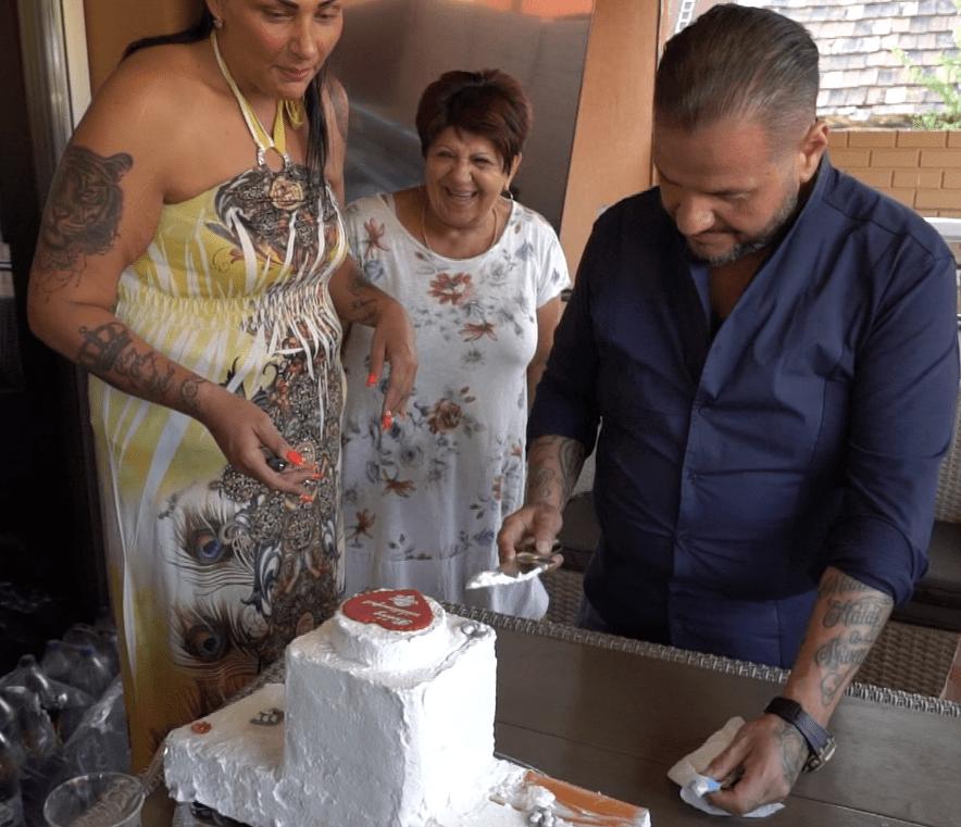 Emilio tortája: egy deszka, amit tejszínnel kentek meg