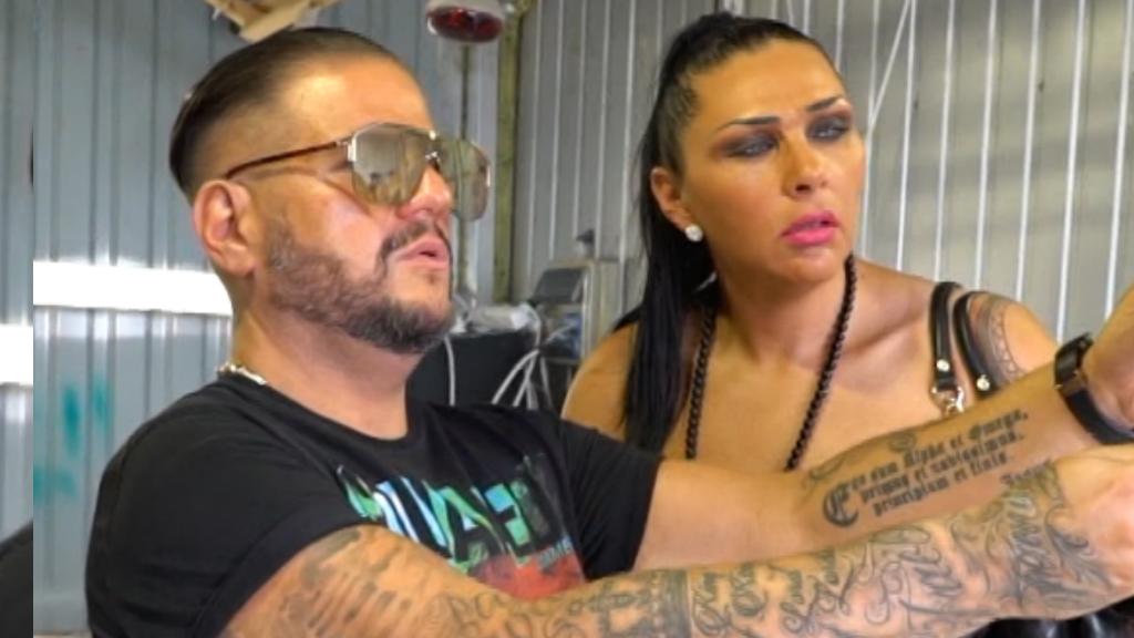 Emilio és Tina arany fürdőszobája