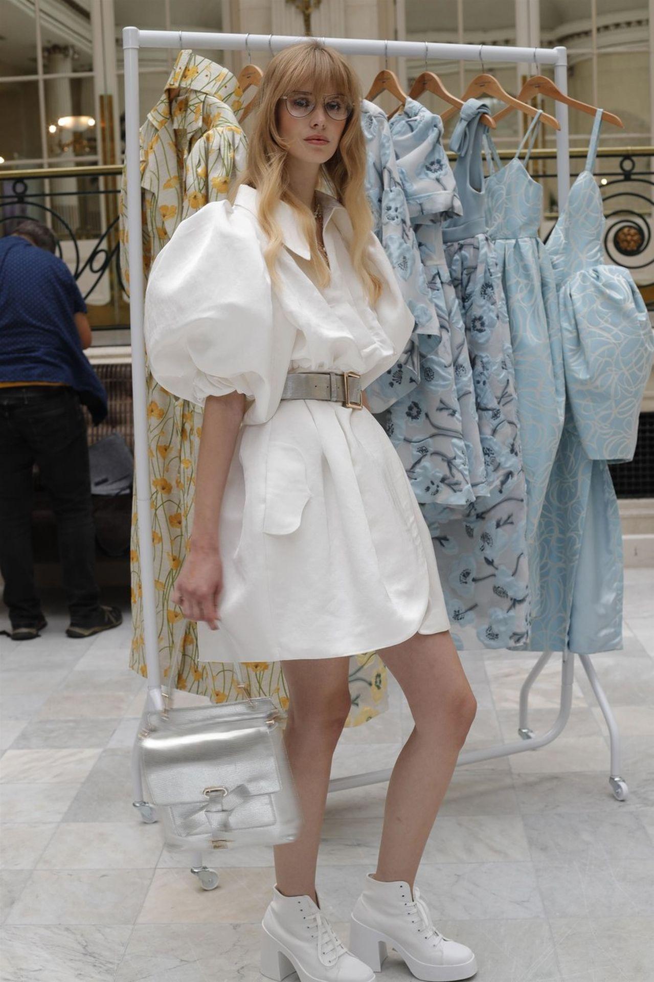 fehér ruha Paul Costelloe
