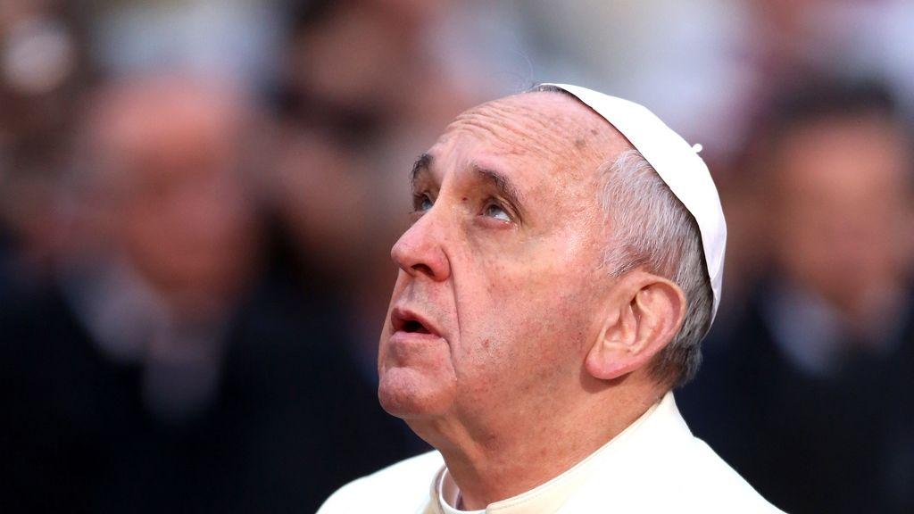 Cseh Péter levelet írt Ferenc pápának a cölibátus eltörléséért