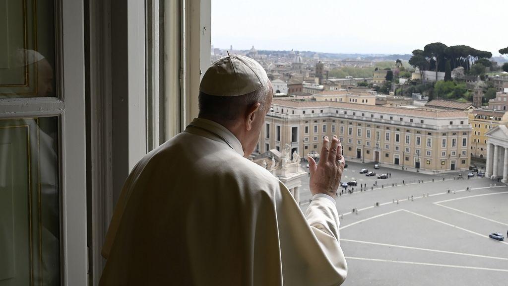 Ferenc pápa szoros megfigyelés alatt van a koronavírus miatt.