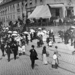 Korzózó emberek 1912-ben Budapesten, a Tabánon.