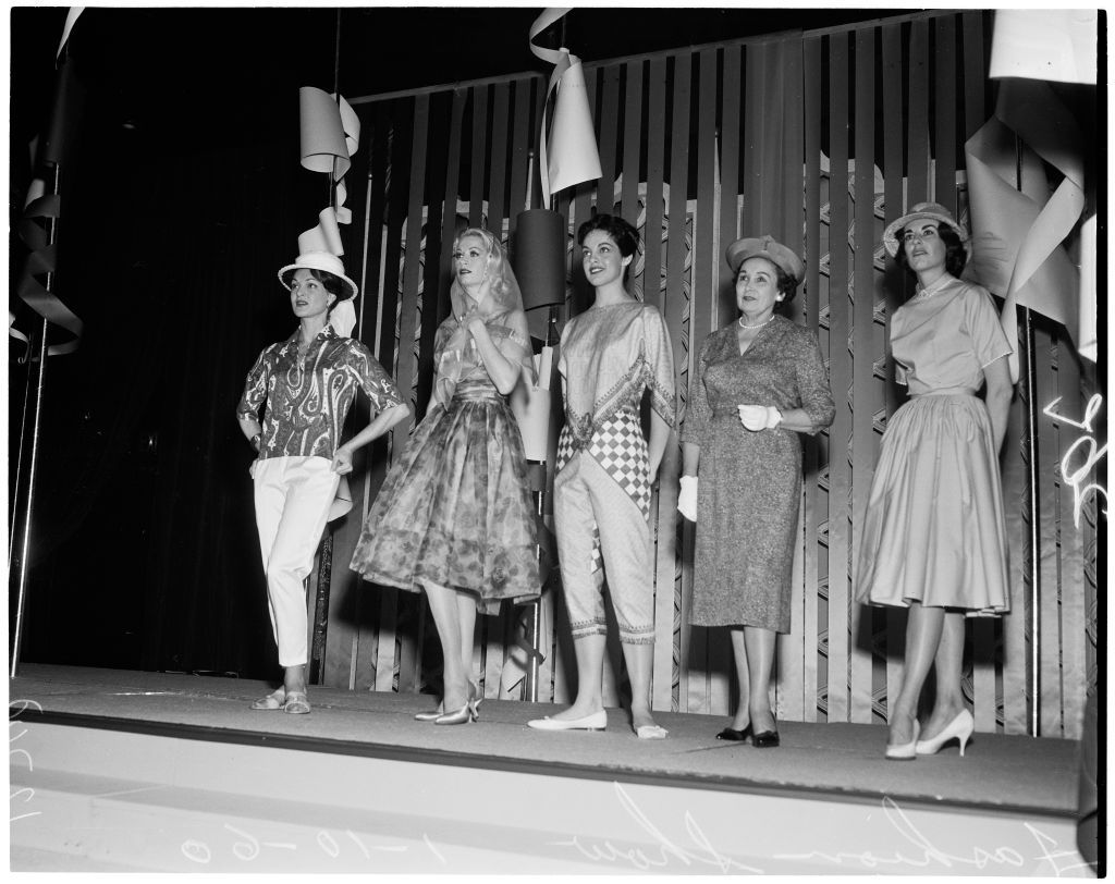 Divatbemutató az Ambassador Hotelben, 1960-ban