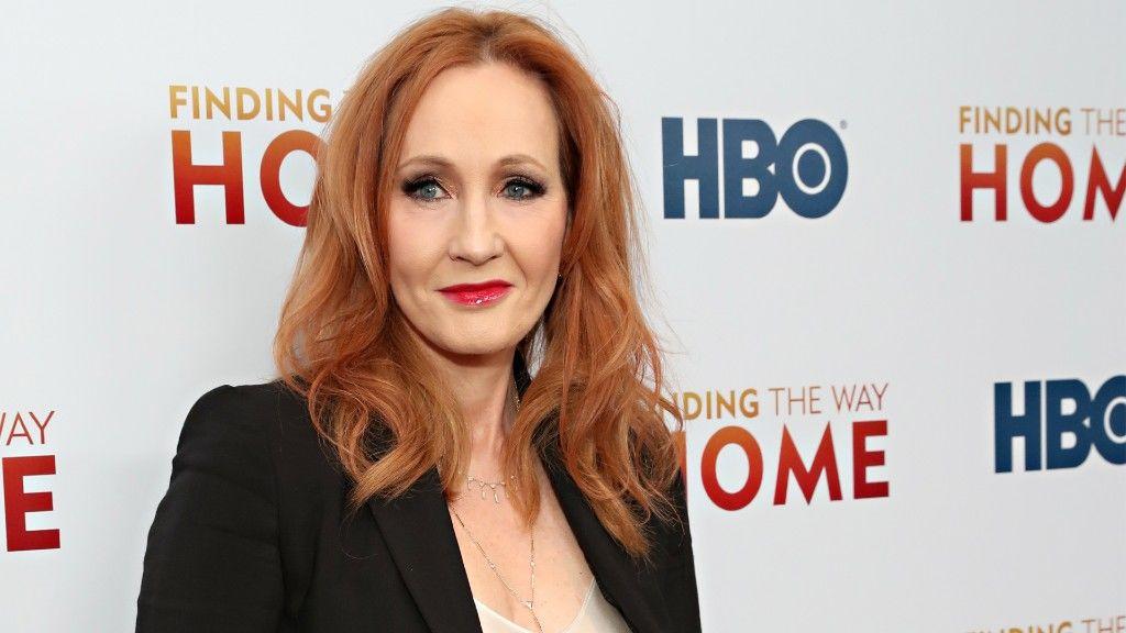 J.K. Rowling egy tavaly decemberi díszbemutatón (fotó: Cindy Ord/WireImage)