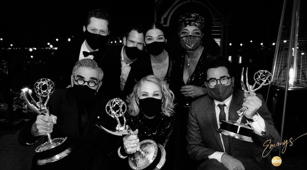 A Schitt's Creek sztárjai a 2020-as Emmy-gálán
