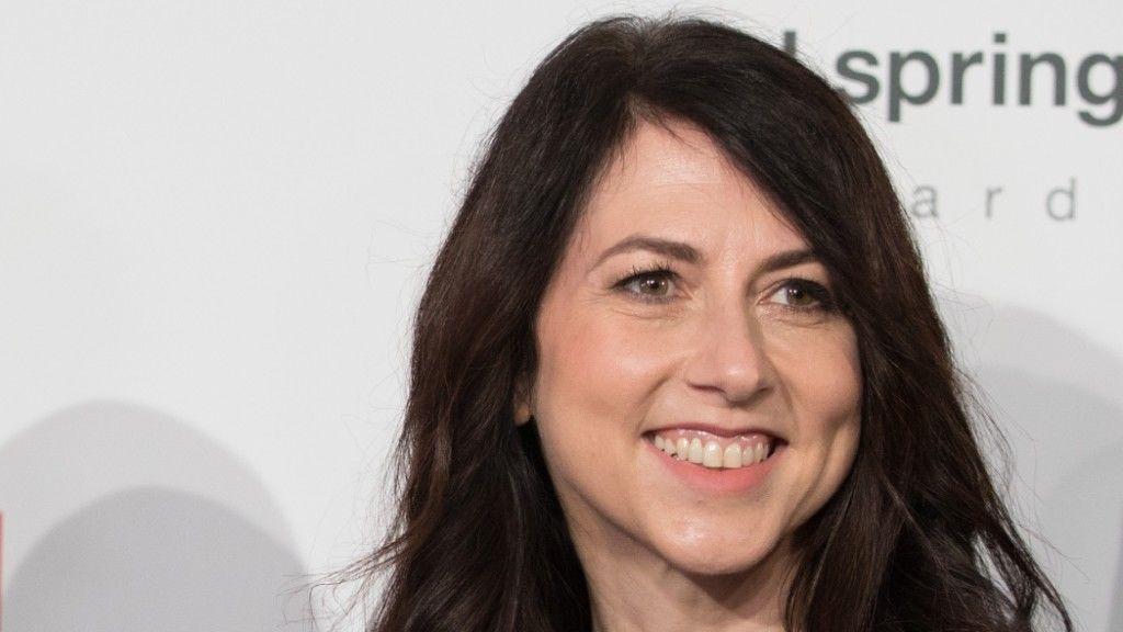 Mackenzie Scott 2018 áprilisában (fotó: Jörg Carstensen/picture alliance via Getty Images)