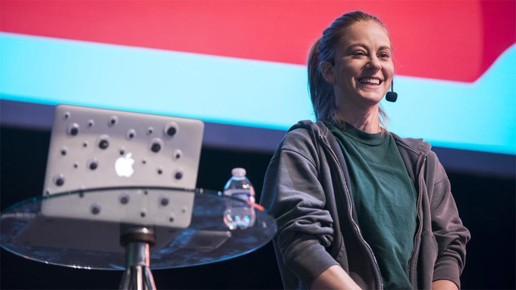 Simone Giertz, a robotok királynője az űrbe tart