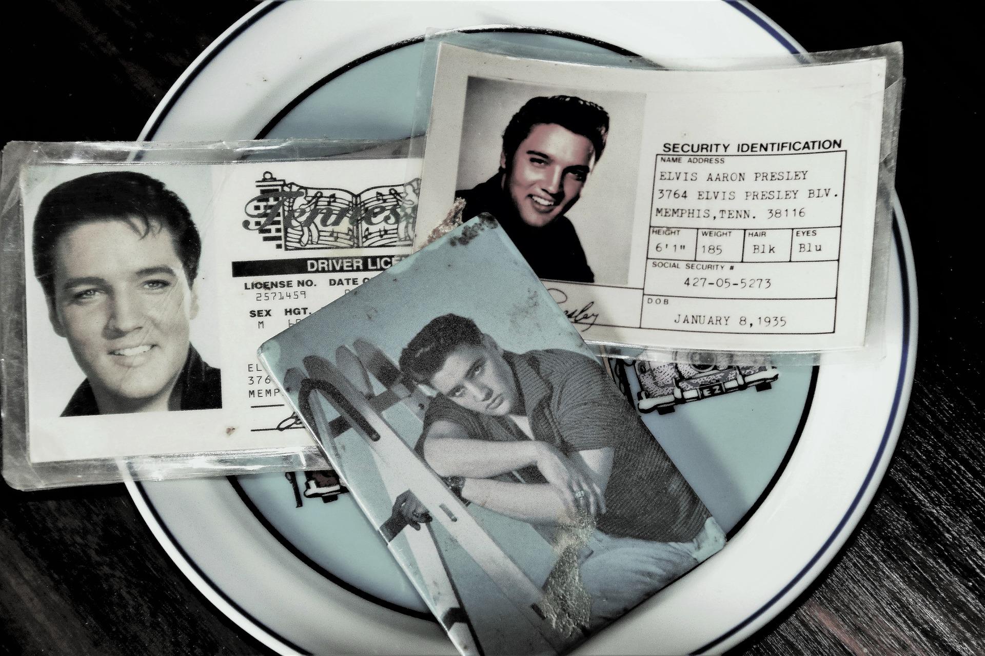 Elvis Presley-nek is volt egy ikertestvére