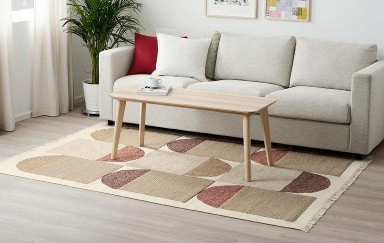 Pénisz mintázatú szőnyeg