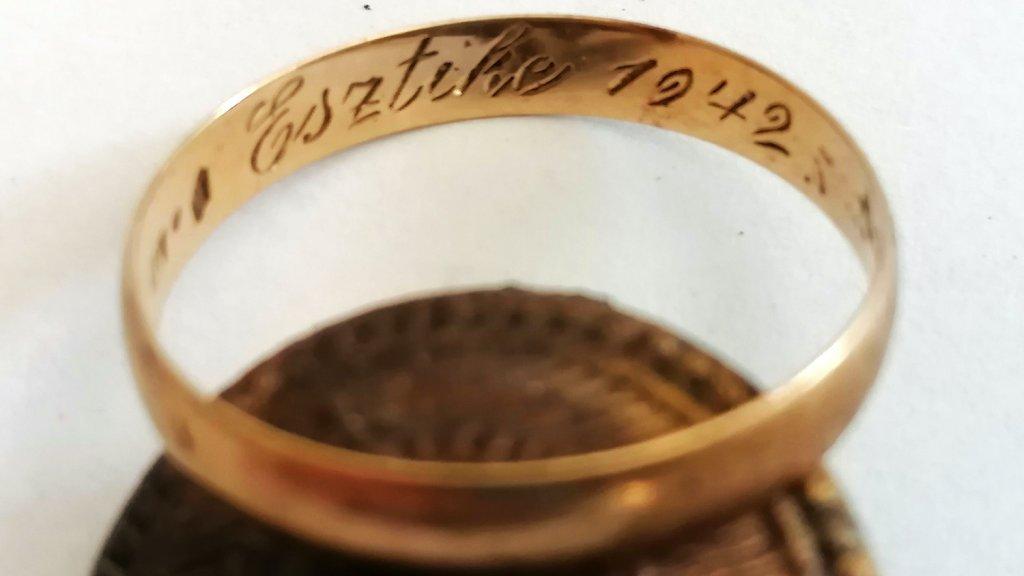 Esztike 1942 jegygyűrű