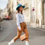 kék kalap street style