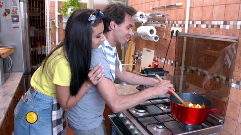Először a borsólevest főzték meg - Forrás: LifeTV / Vacsorakirály - videó