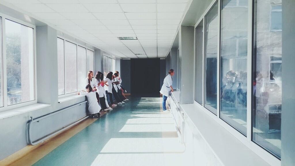 Elköltöztetik a Semmelweis Egyetem onkológiai részlegének járóbetegellátását a koronavírus miatt