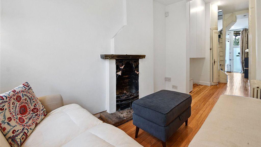 Eladó a legkeskenyebb londoni lakóház