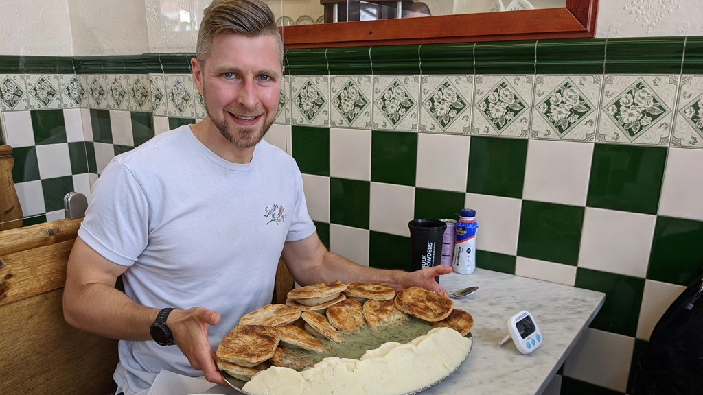 18 pitét képes bekebelezni 43 perc alatt a srác
