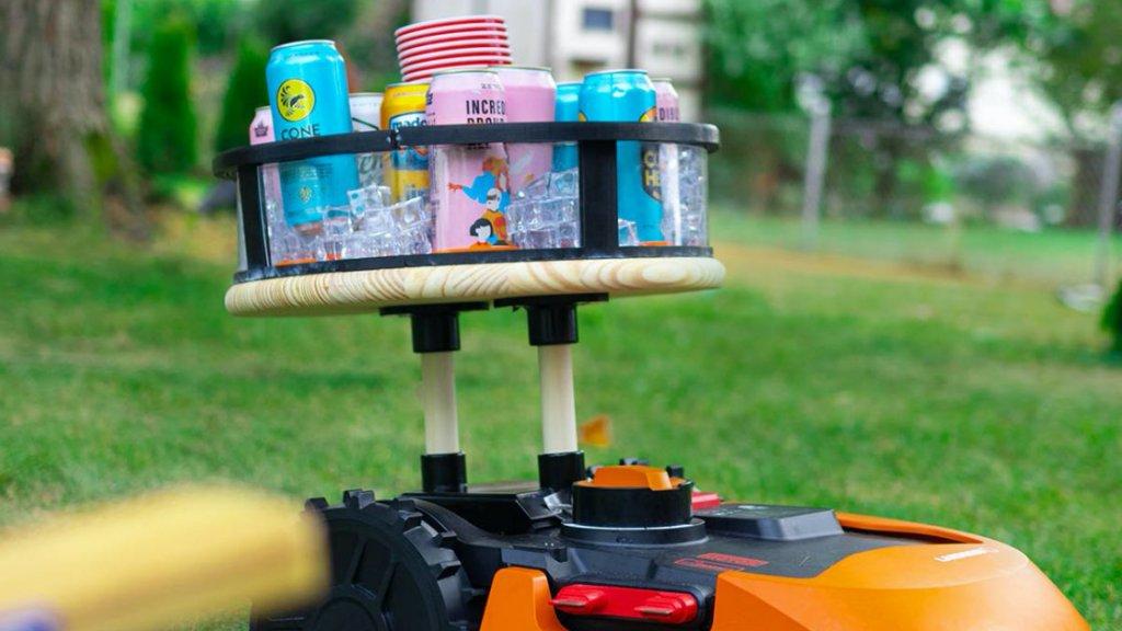 MowTender: robotfűnyíró és pincér egyben