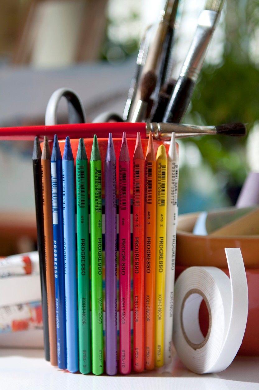 Ceruzákkal díszített tartó